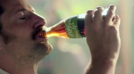 """Coca Cola ทำหนังสุดซึ้ง """"ความสุขได้เป็นพ่อแม่"""" ดัน Coke ฉลากเขียว"""