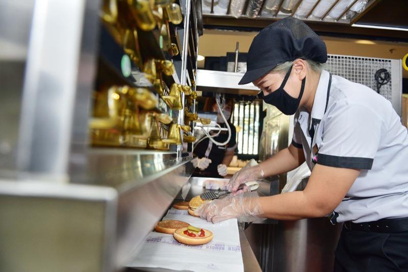 McDonald's Covid 19 - Kitchen