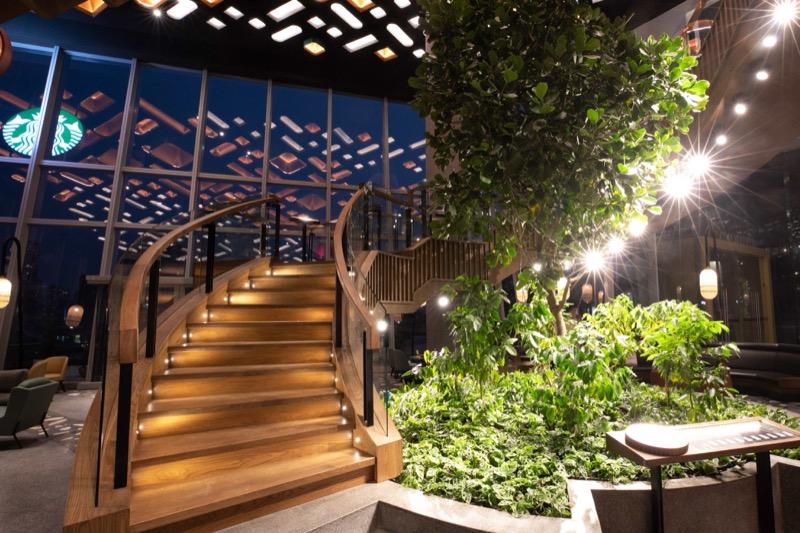 Starbucks Reserve Chao Phraya Riverfront - Staircase