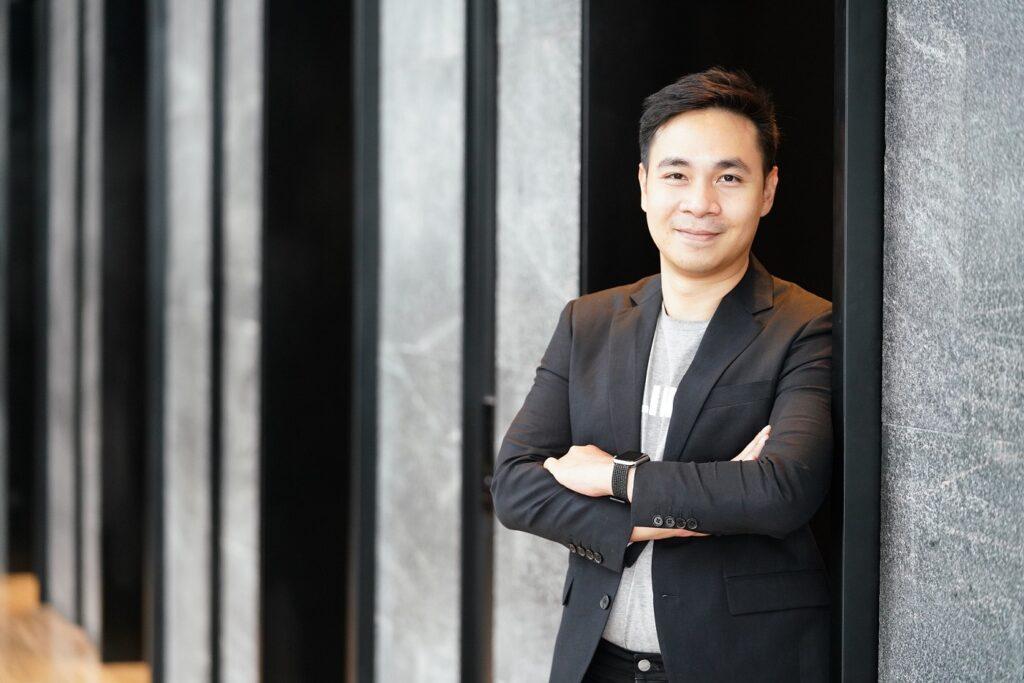 คุณเลอทัด ศุภดิลก หัวหน้าฝ่ายธุรกิจอี-คอมเมิร์ซ LINE ประเทศไทย