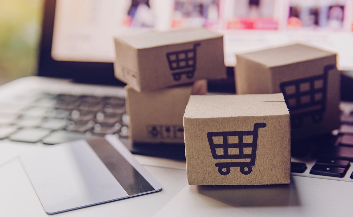 shutterstock_ecommerce social commerce online shopping