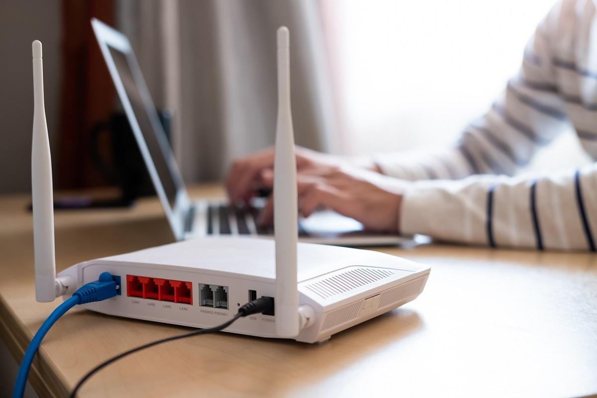 shutterstock_router chip computer work