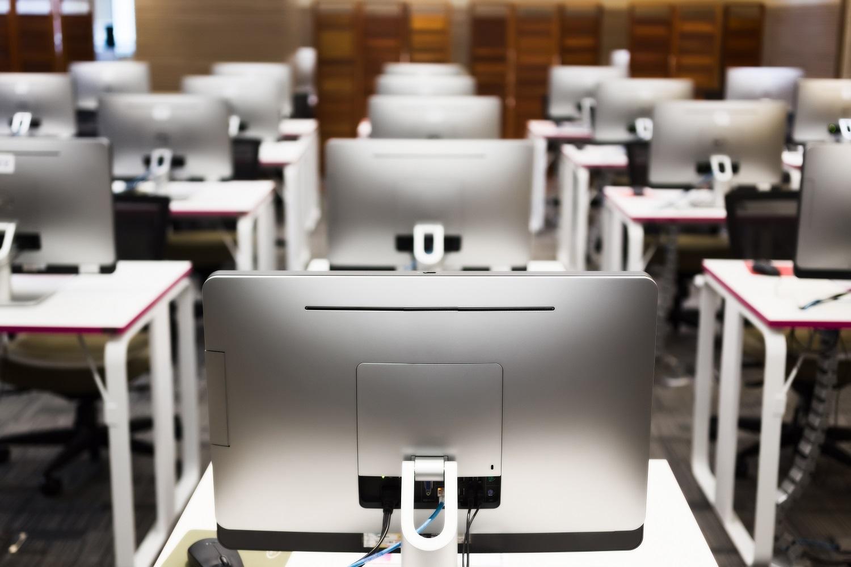 shutterstock_classroom lab