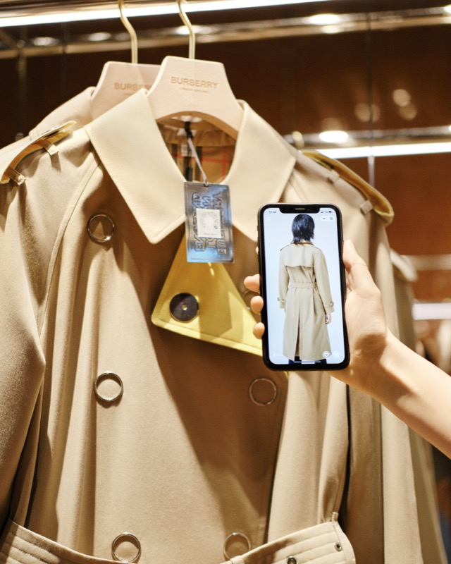 Burberry-Shenzhen-store-QR-codes-c-Courtesy-of-Burberry