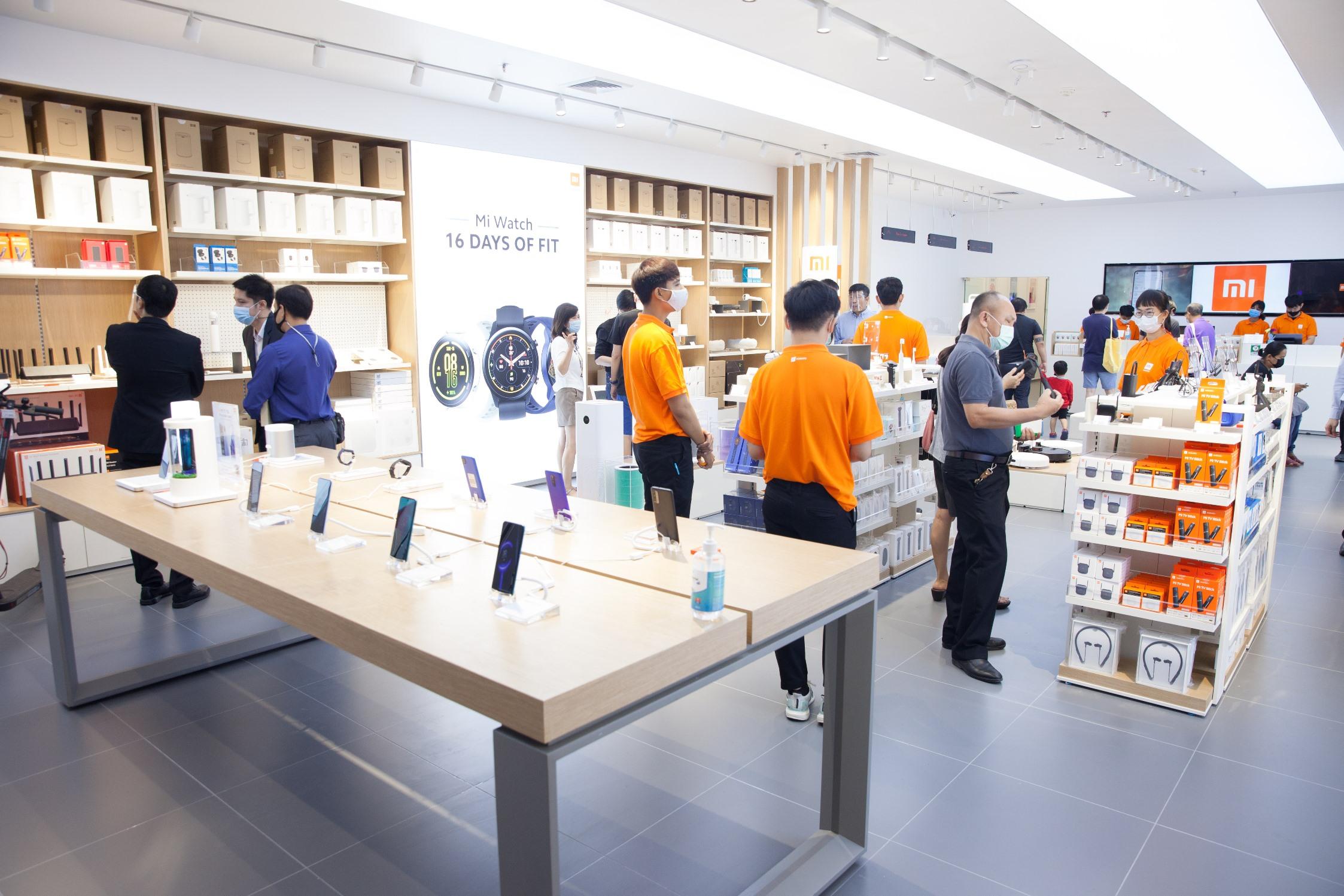 New Mi Store Opening